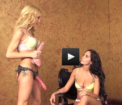 Amy Gets Dirty With Ava Clip #1
