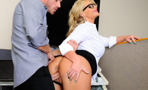 Phoenix Marie And Johnny Sins In Naughty Office