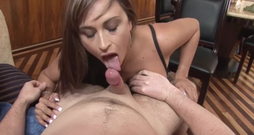 CLAUDIA VALENTINE – Giving My Milf Neighbour The Facial Cumshot