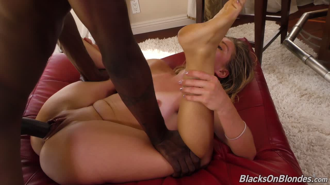 LILLY FORD – Lilly Ford in Blacks On Blondes